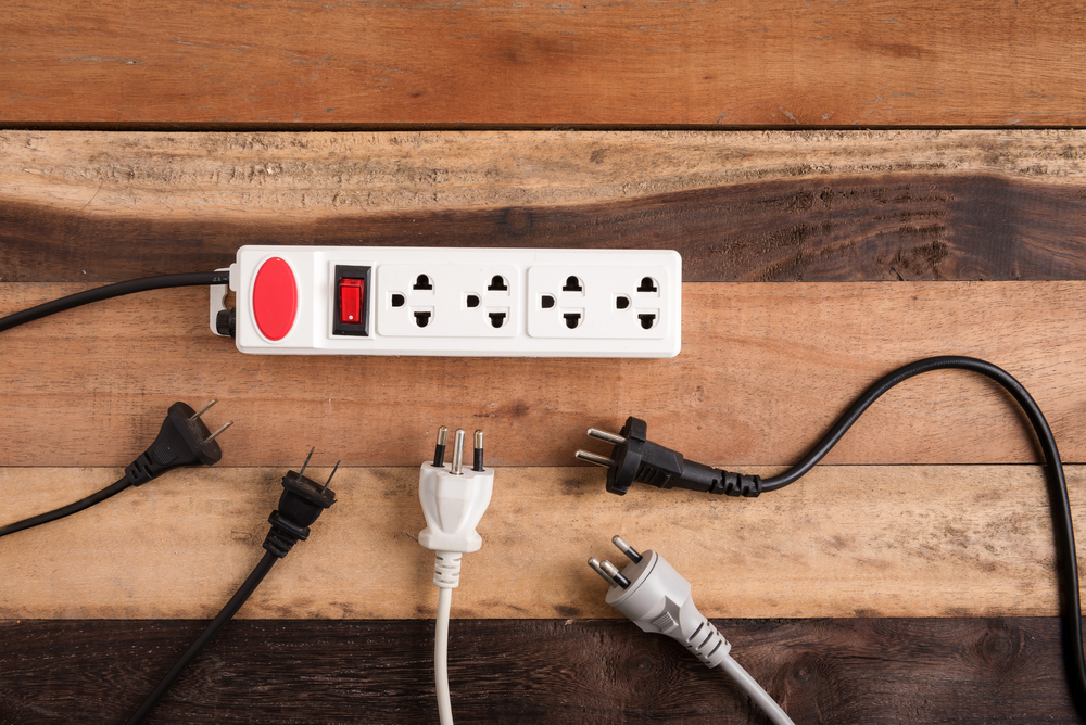 Extension Cord With Outlet Plugs