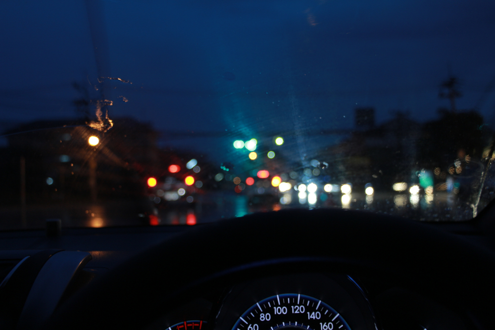 Nine Tips to Stay Safe While Driving After Dark